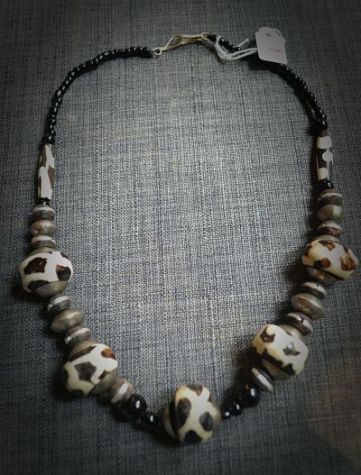 Sahelian necklace made of african traditionnal stones and tinted camel bones